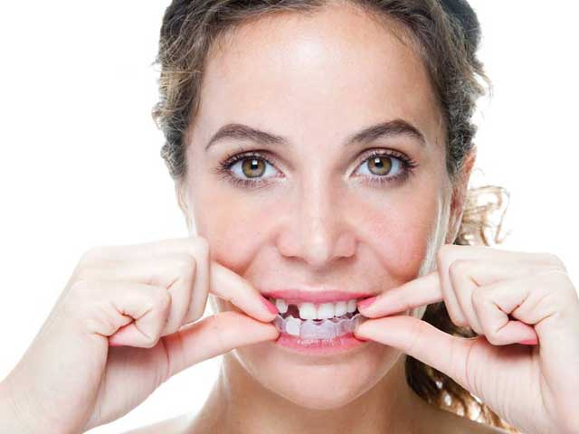 Missing Teeth Treatment in Delhi