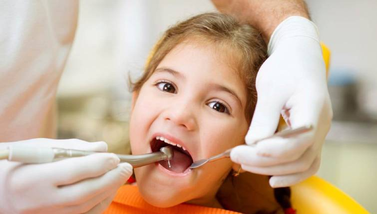 Paediatric dentists in delhi